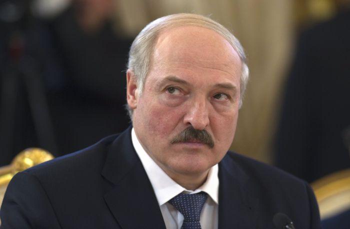 Лукашенко предложил заменить его законным способом
