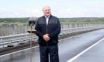 Без дорог у нас жизни нет: Лукашенко открыл мост через Сож