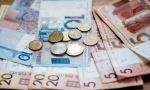 Средняя зарплата в Беларуси в январе снизилась сразу на 185 рублей