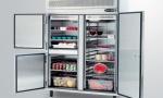 холодильный шкаф в ресторане