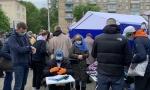 Пикет по сбору подписей за Тихановскую проходит возле Комаровки