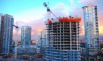 Цена на жилье в Минске завышена минимум в пять раз, считает Андрей Климов