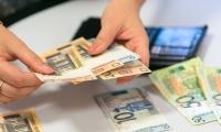 Зарплата, средняя, номинальная, начисленная, Беларусь, белорусы, работники, белорусские, сентябрь, 2021, год, уменьшилась, упала, рубли, Белстат, 1442,7,