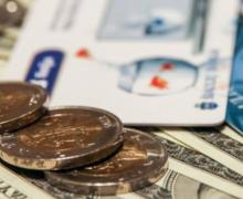 Граждане Беларуси смогут открывать валютные депозиты за границей