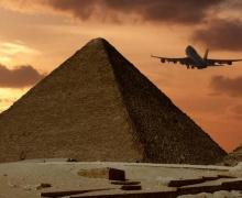 самолет летит в Египет