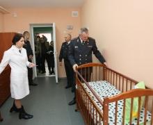 Шуневич в общежитии для заключенных женщин с детьми