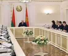 Лукашенко, ужесточить, закон, требует, налог, неуплата, зарплата, конверт, 15 лет, американские законы, наказание, выдача, совмин, совещание, экономика, задача
