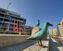 Возле Минского моря появилась арт-набережная с 12 бронзовыми скульптурами