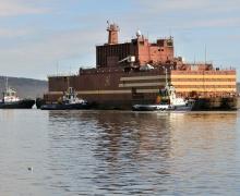 Плавучий энергоблок «Академик Ломоносов» прибыл для загрузки ядерным топливом в Мурманск