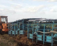 трактор с доильной станцией
