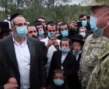 Украина считает, что Беларусь способствует скоплению хасидов на границе стран