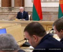 Лукашенко: идет война «в кабинетах, СМИ, соцсетях, экономике и финансах»