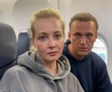 Навальный вернулся в Россию, как и обещал. И был задержан