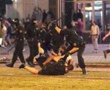 Акции протеста в Беларуси: много раненых, погиб человек