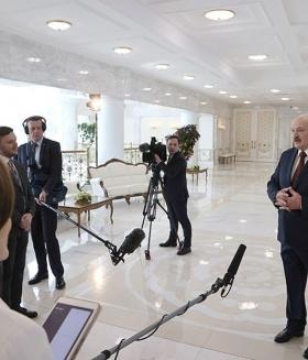 Лукашенко: оппозиция готова продать НПЗ за финансирование протестов
