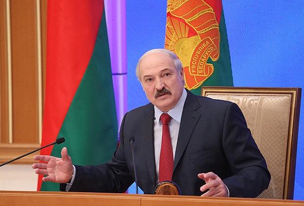 Александру Лукашенко проинформировали, что АЭС строится строго пографику