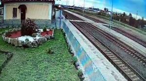 Женщина 84 лет попала под грузовой поезд под Зельвой
