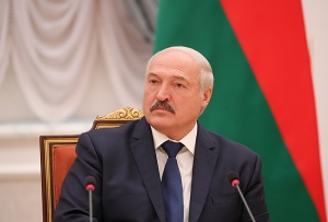 Лукашенко вновь взялся за образование: предлагает повыбрасывать темы и сократить часы