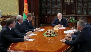 Лукашенко и чиновники