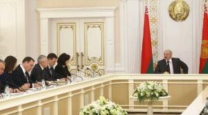 Совещание по оптимизации Администрации президента (фото пресс-службы президента)