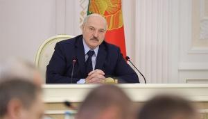 Лукашенко рассказал, как спасал Тихановскую: «Та гражданка забыла»