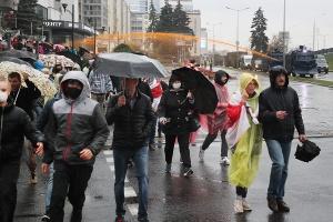В Беларуси 11 октября задержано почти 600 человек, много пострадавших