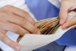 В Беларуси начинается борьба с зарплатами в конвертах