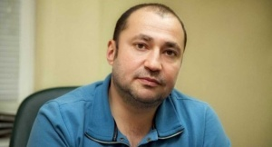 Би энд Би иншуренс Ко, суд Центрального района, Борис Медник