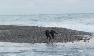 В Сочи ищут двух подростков, которых унесло в открытое море