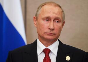 Путин объявил следующую неделю нерабочей и перенес голосование по Конституции