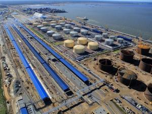 Беларусь начала поставки нефтепродуктов в российские морские порты