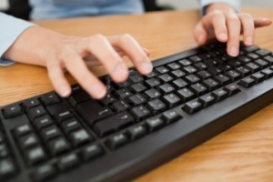 клавиатура и руки