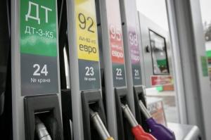 Топливо, эксперт, бензин, Беларусь, Иосуб, 1 копейка, подорожание, цена, стоимость, рубль, нефть, баррель, доллар, стоит, экономика