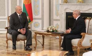 Лукашенко на встрече с послом Кубы Херардо Суаресом Альваресом.