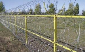 Латвия, нелегальные, мигранты, Беларусь, граница, нелегалы, забор, строит, возводит, колючая, проволока, купила, 500, стоимость, установка, фирма