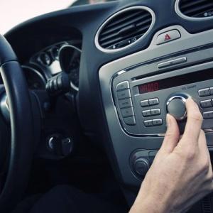 Что белорусские водители предпочитают слушать за рулем