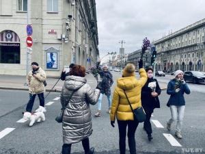 Марши женщин и студентов, чаепития, провластный автопробег. Что было в Минске 17 октября