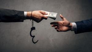 СК задержал за коррупцию менеджеров крупнейших промпредприятий