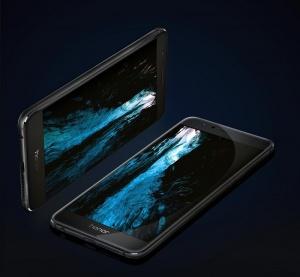 Honor 8 поступил в продажу в Беларуси