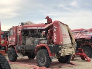 МАЗ пережил столкновение на Дакаре и все равно пробился в десятку