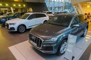 По ценам ниже мировых. В Беларусь привезли флагманский внедорожник Audi Q7