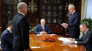 Лукашенко назначил новых «надежных» послов, директоров и замов