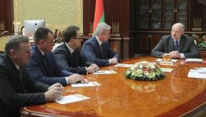 Лукашенко с помощниками