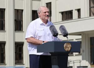 Лукашенко рассказал о 90-х, новом правительстве и жестокости ОМОНа