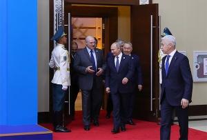 Лукашенко и Путин на саммите