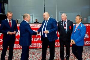 В Ярославле открыли первый монобрендовый дилерский центр МАЗ