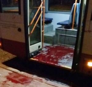 кровь в троллейбусе