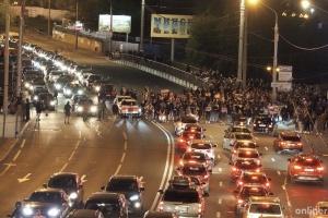 В Минске люди блокируют дороги, в ход пущены водометы с краской