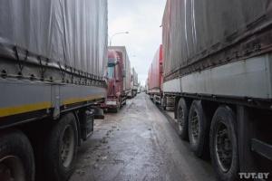 Белорусский дальнобойщик умер в очереди на границе
