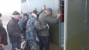 ОМОН и милиция задержали в Ждановичах более 90 человек